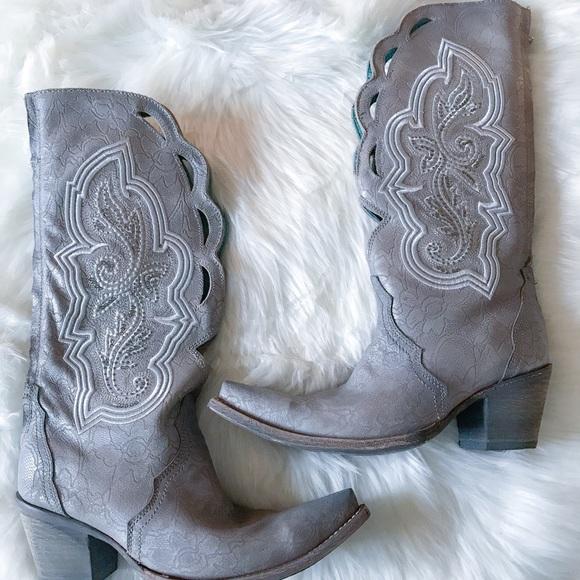 a9c2c41a939 NWT Corral Leather Rhinestone Cowgirl Boots Size:7 NWT